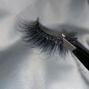 Hardcore style strip lashes